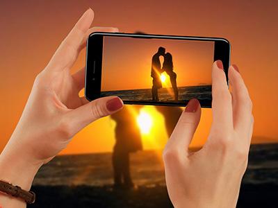 Khung ảnh iphone 7 cầm tay đẹp