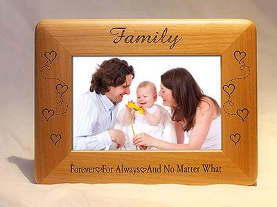 Khung ảnh gỗ gia đình