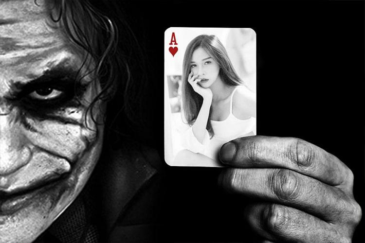 Ghép ảnh vào quân bài với Joker